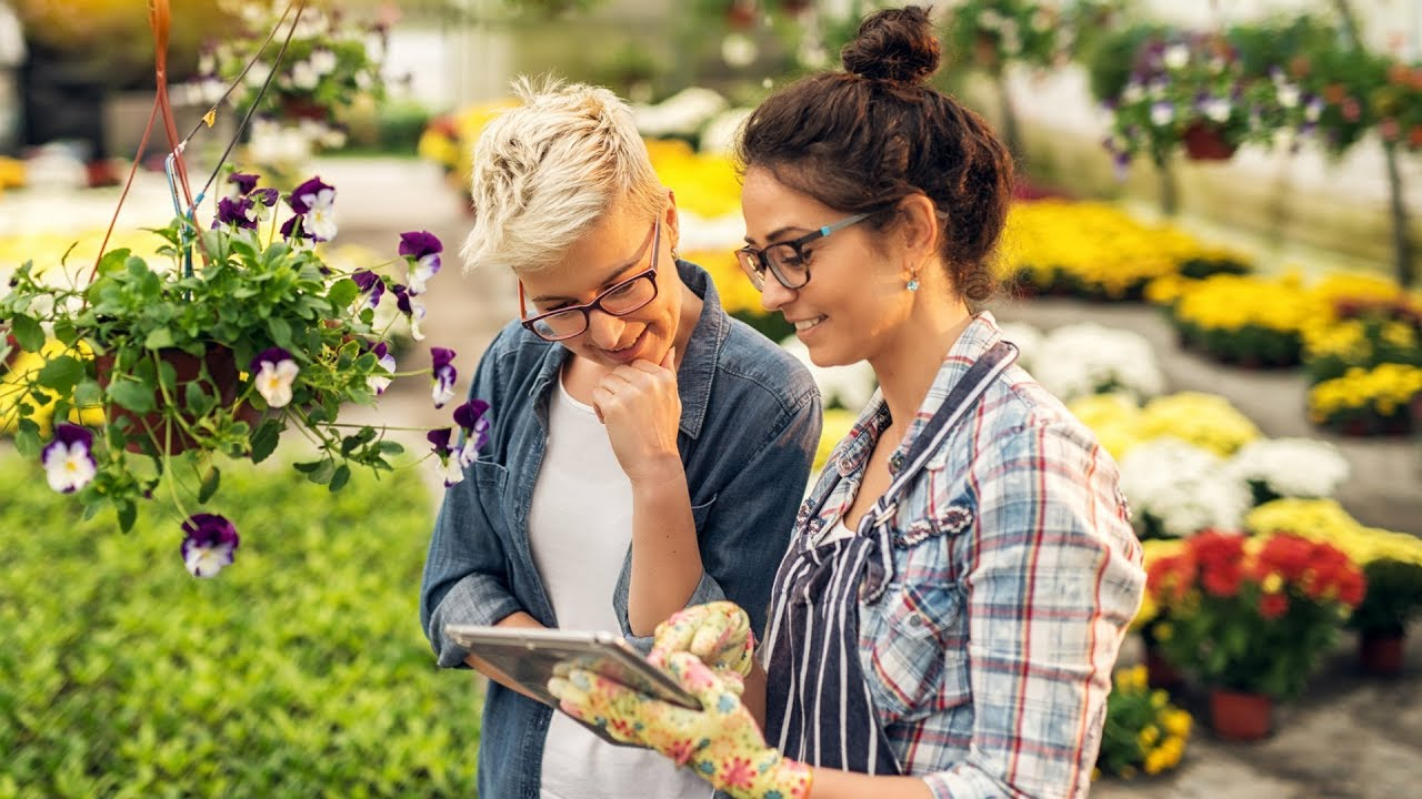 Gardening for Beginners: 3 Gardening Hacks to Make Home Gardening Easier